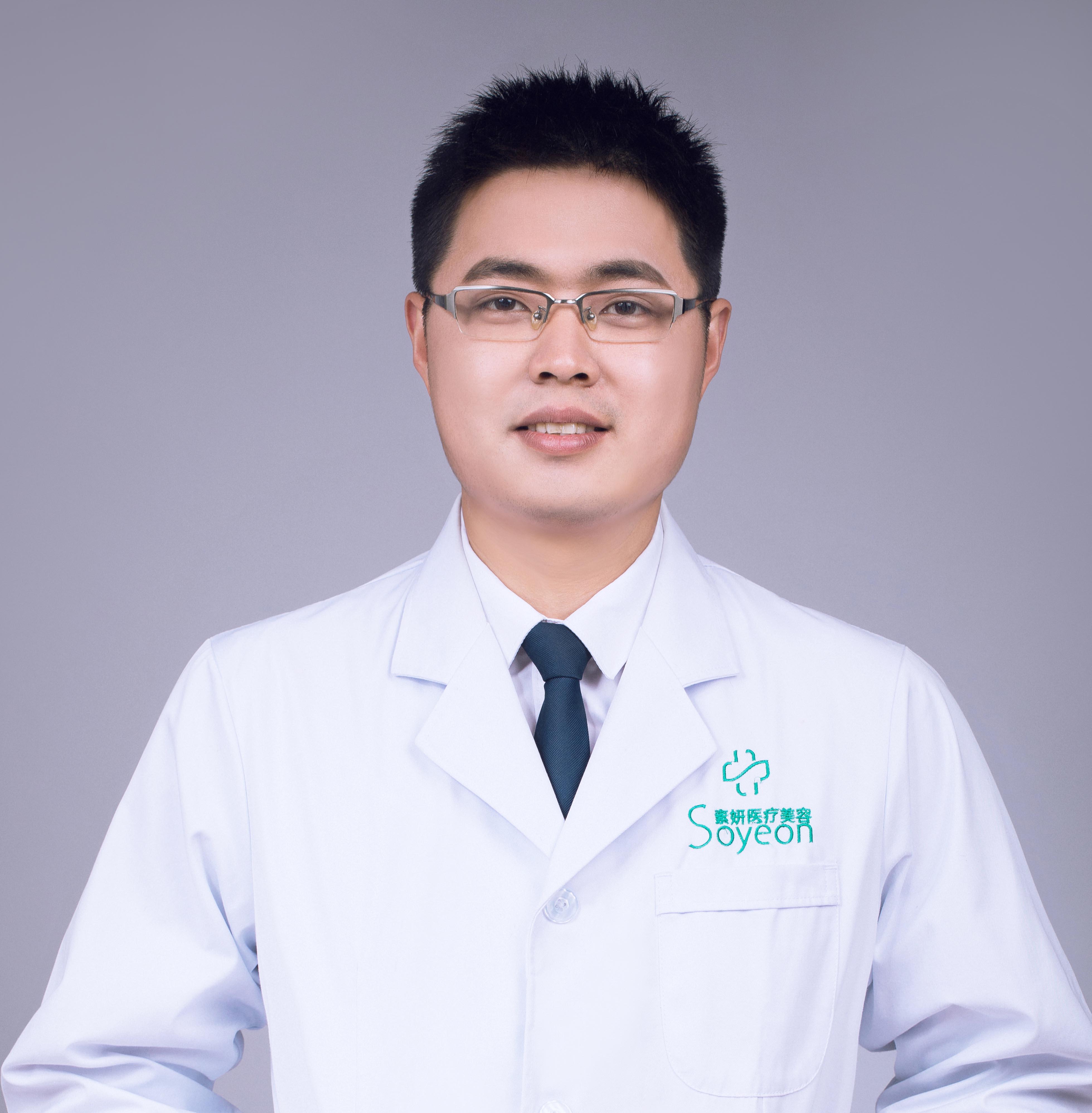 何立鸿医生